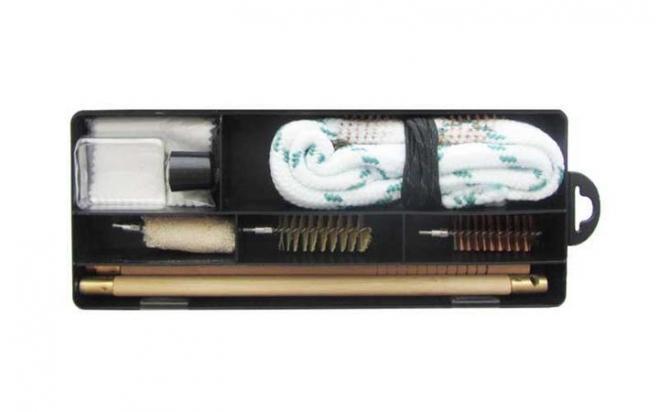 Набор для чистки гладкоствольного оружия кал. 12 (дер.шомпол, гибкий шомпол, масленка, пласт. коробка) (B-300)