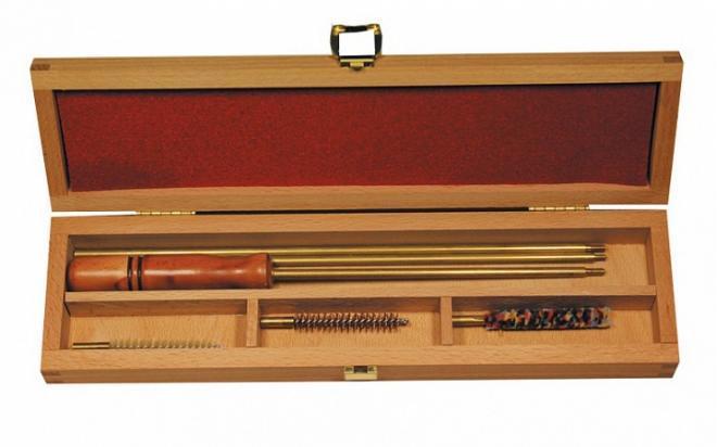 Набор для чистки в деревянной коробке кал.12 мм