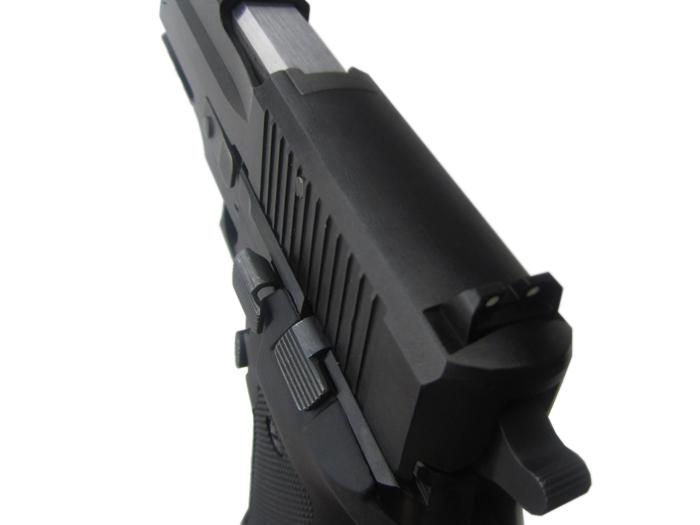 6)Травматический пистолет P226T TK-P 10x28.