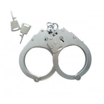 5)Первые и современные наручники.