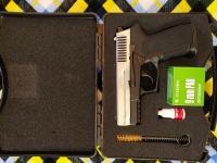 Охолощенный пистолет компании retay S2022