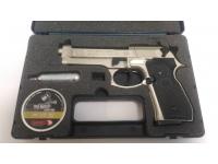 Продам пневматический пистолет Beretta 92