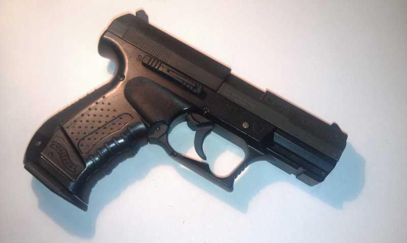 2)Обзор пистолета Umarex walther CP 99