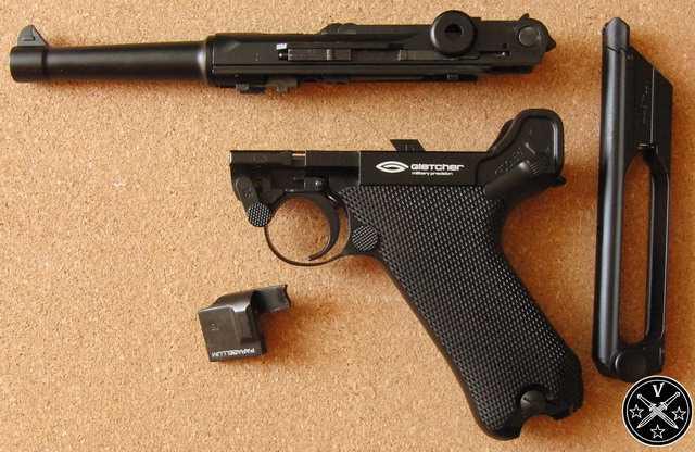 Пистолет при неполной разборке