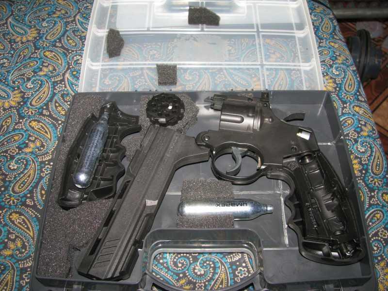 9)Бокс для пистолетов