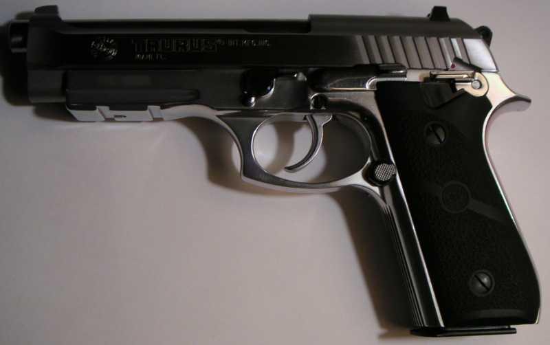 2)Пистолет пневматический Gletcher BRT 92 FS auto