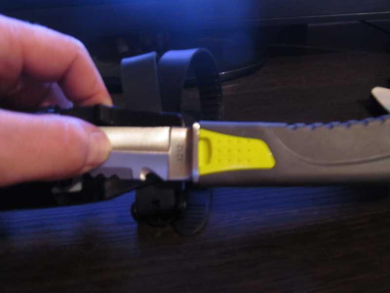 8)Дайверский нож