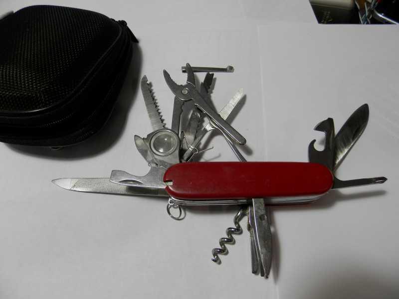 3)Плох тот китаец, что не мечтает стать швейцарцем (о ножах)