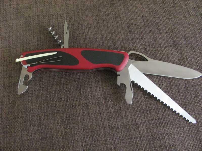 4)Проба «пера». Обзор ножа Victorinox 0.9563.MC RangerGrip 79
