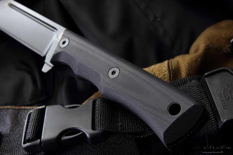 8)Чёрный нож Eagle от фирмы Mr.Blade.