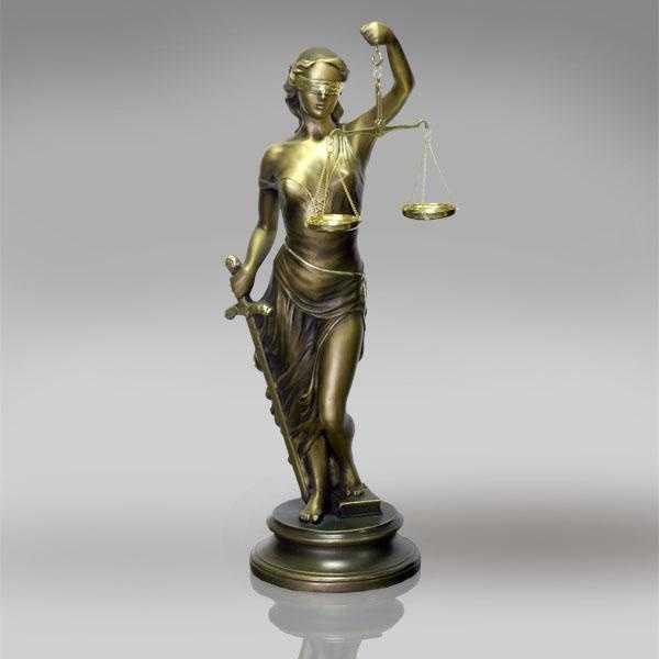 8)Священное Право