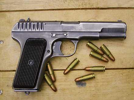 1)Пистолет со сложной судьбой – легендарный ТТ
