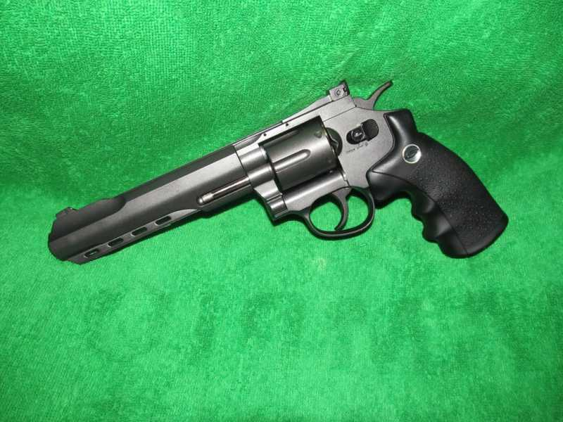 1)Пневматический Smith & Wesson или Gletcher SW B6