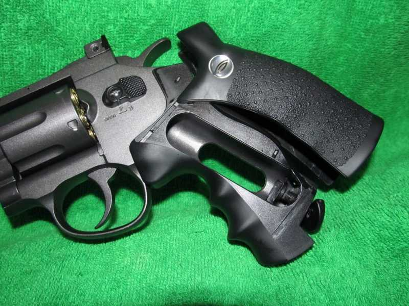 12)Пневматический Smith & Wesson или Gletcher SW B6