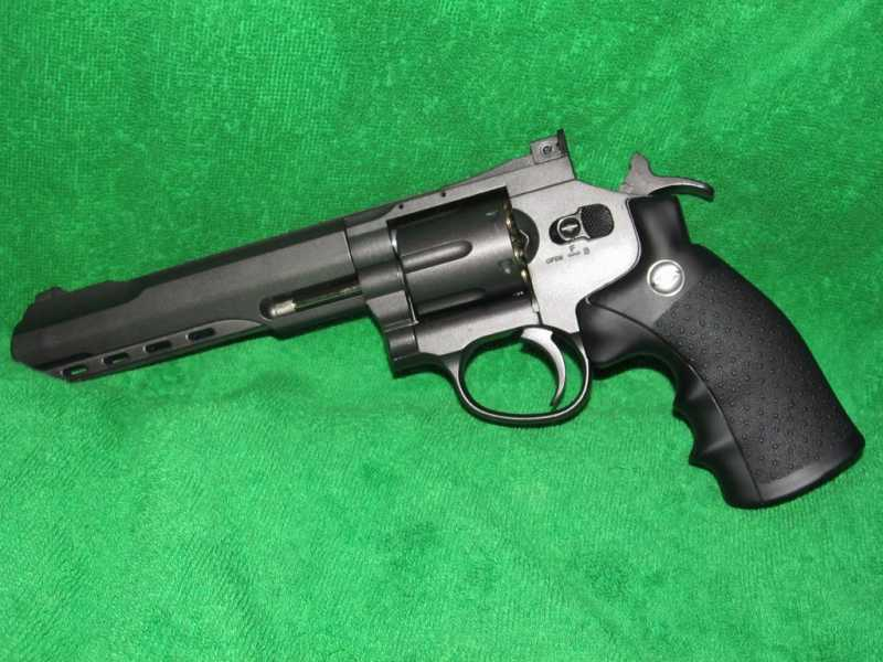 17)Пневматический Smith & Wesson или Gletcher SW B6