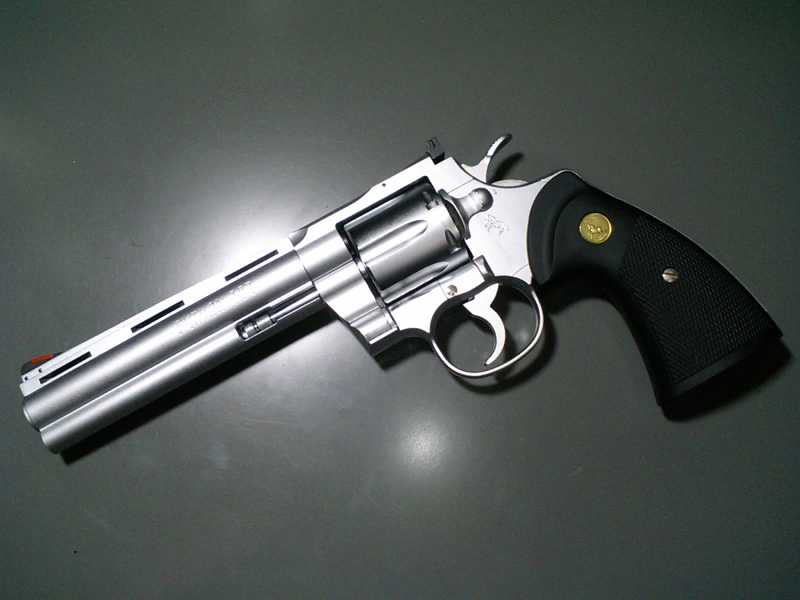 3)Роллс-ройс среди револьверов –Кольт Питон!