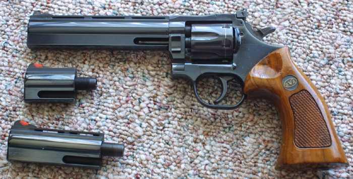 3)Dan Wesson или Smith&Wesson? вопрос прототипов