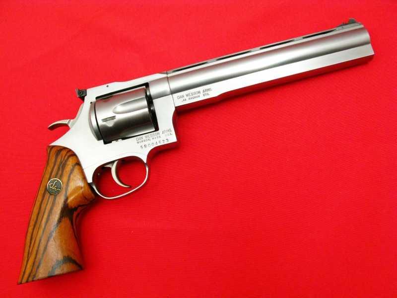 6)Dan Wesson или Smith&Wesson? вопрос прототипов