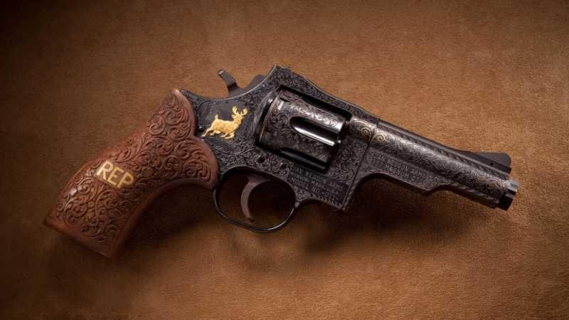 7)Dan Wesson или Smith&Wesson? вопрос прототипов