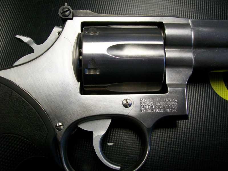 8)Dan Wesson или Smith&Wesson? вопрос прототипов