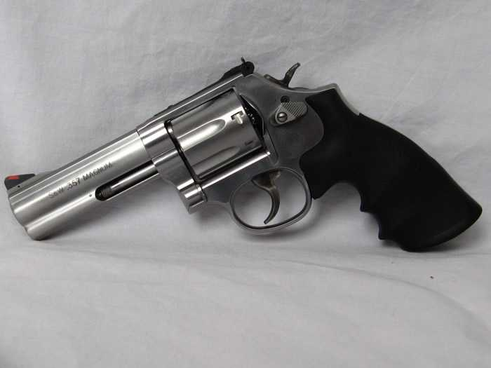 25)Dan Wesson или Smith&Wesson? вопрос прототипов