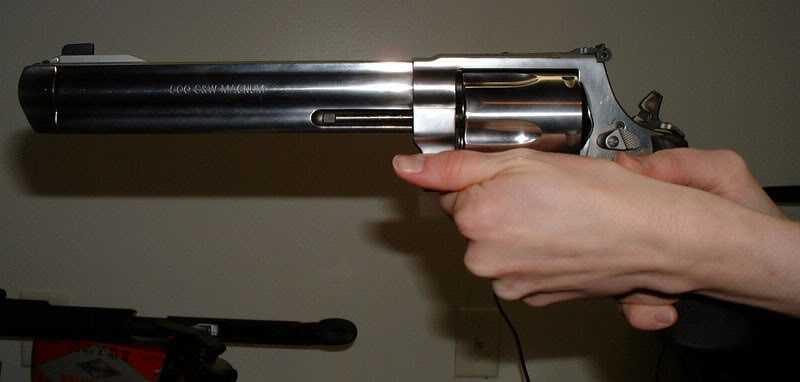 19)Dan Wesson или Smith&Wesson? вопрос прототипов