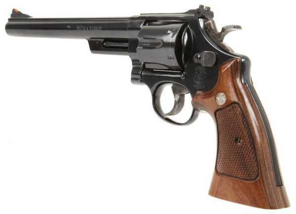 20)Dan Wesson или Smith&Wesson? вопрос прототипов