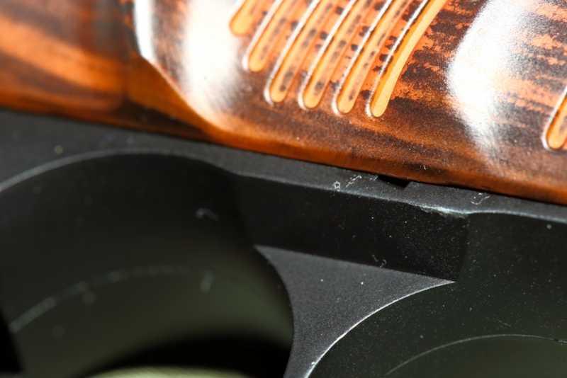 5)Smersh H14, неудачная копия легендарного пистолета.