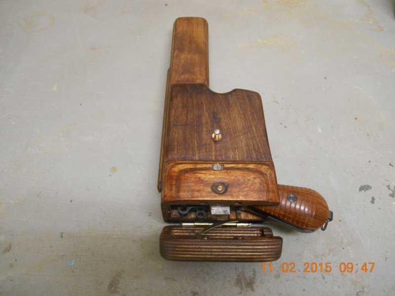 2)Кобура хандмэйд или во что превратился кусок старой фанэйры.