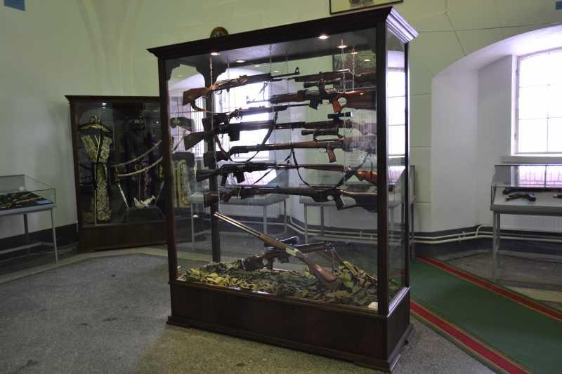 5)Дар Михаила Калашникова Артиллерийскому музею