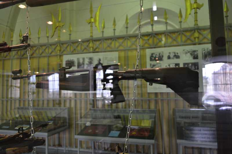 6)Дар Михаила Калашникова Артиллерийскому музею
