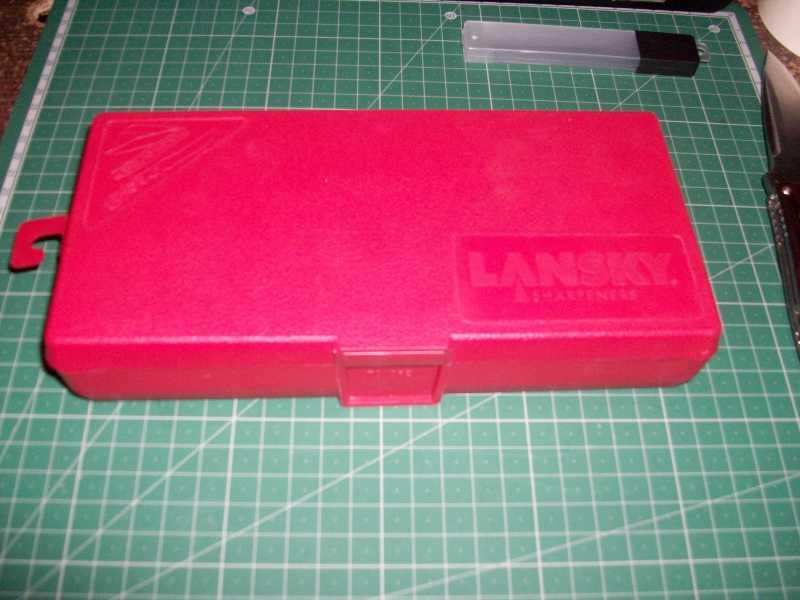 1)Моя походно-бытовая точилка с незамысловатым названием «Лански универсал кнайф шарпенинг систем»