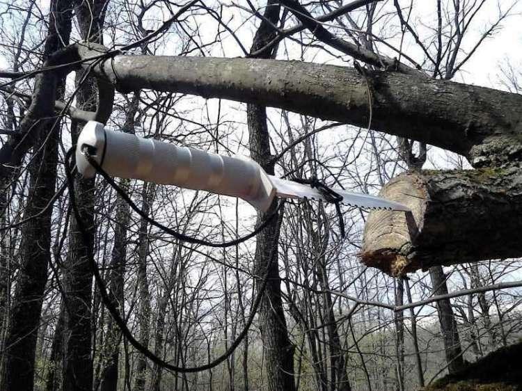 22)Типа нож для Рембо.