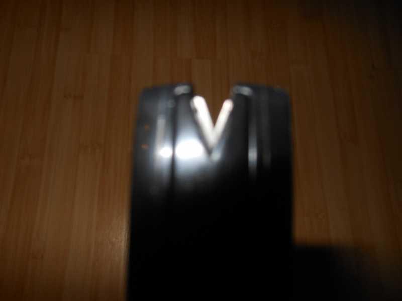 5)Удобная, недорогая и безопасная точилка Lansky (only для кухонных ножей)