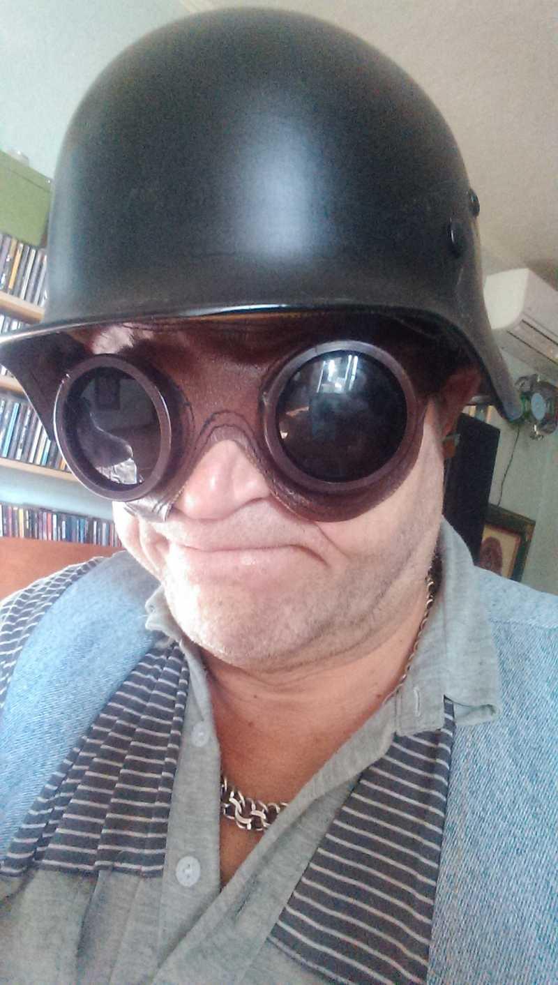6)Подарок Артолога (горно стрелковые очки)