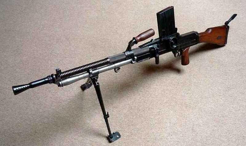 4)ZB 26/30-пулемет Вацлава Холека