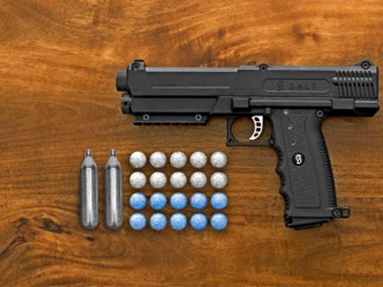 1)Убить не убьет, но уши завянут (пневматический пистолет salt)