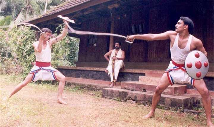 4)Необычное оружие древних. Гибкий меч уруми.