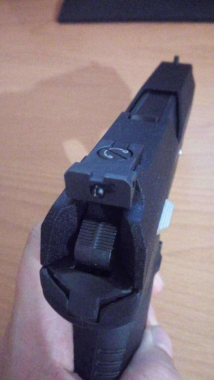 4)Пневматический пистолет МР-655К (пистолет Ярыгина)