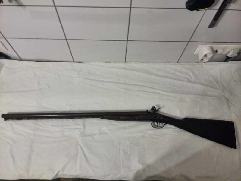 5)2-х ствольное, дульнозарядное ружье, 12-го калибра. Педерсоли, Италия.