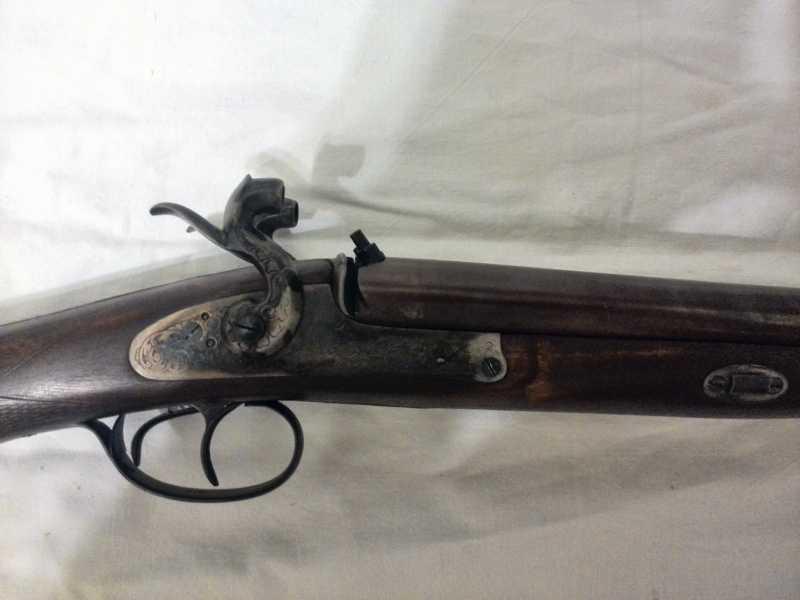 6)2-х ствольное, дульнозарядное ружье, 12-го калибра. Педерсоли, Италия.