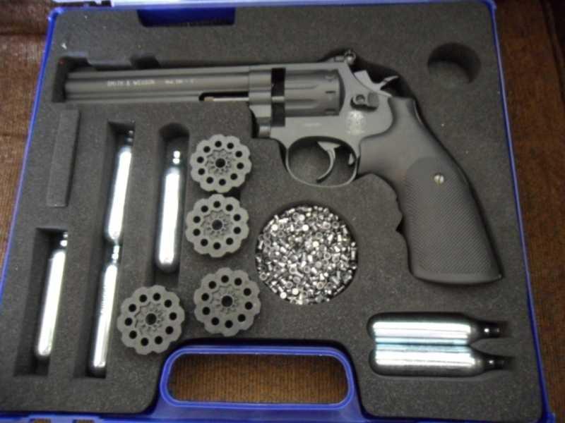 1)Муки выбора 2! Какой пулевой револьвер лучше