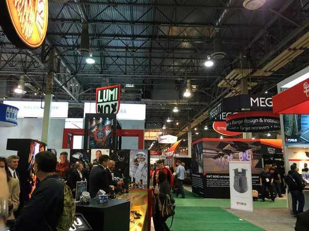 1)38 ежегодная выставка оружия Shot Show в Лас-Вегасе, штат Невада (часть 1)
