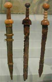 1)Гладиус - оружие легионера.