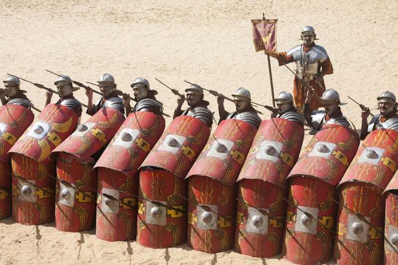 5)Гладиус - оружие легионера.