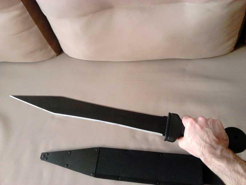 13)Гладиус - оружие легионера.