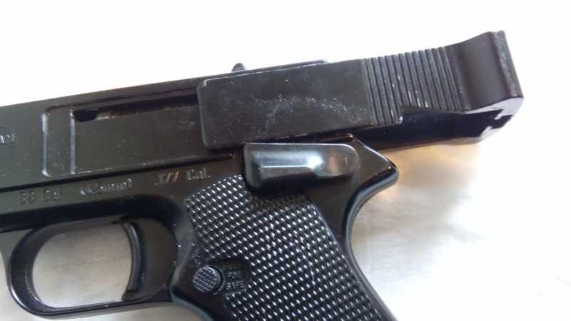 14)Пружинно-поршневой пистолет Marksman 1010