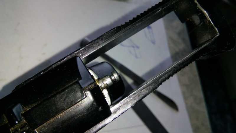 28)Пружинно-поршневой пистолет Marksman 1010