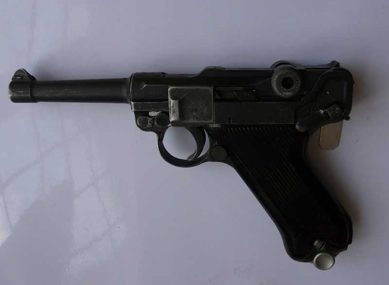 5)Огнестрельный Р08 (артиллерист)