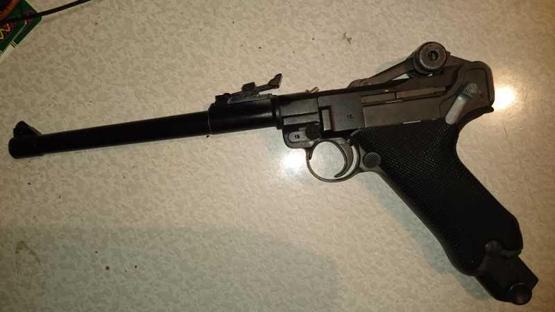 7)Огнестрельный Р08 (артиллерист)